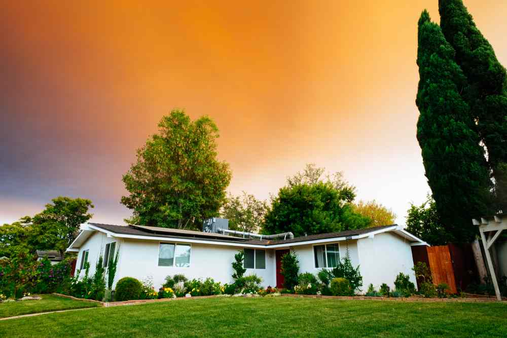 Make Your Airbnb Property the Place to Be this Fall With Professional Landscaping Service