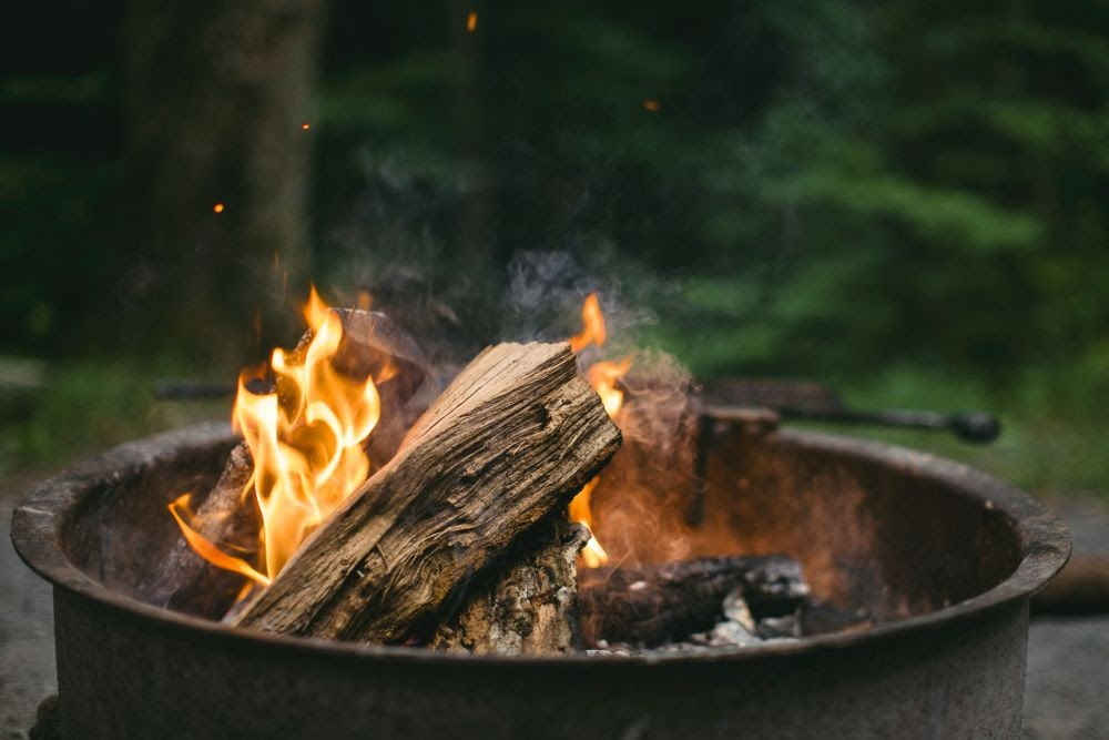How to Use Outdoor Fire Pit in Every Season
